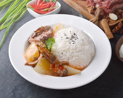 萝卜牛腩饭